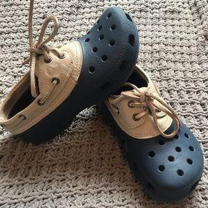 CROCS | navy and leather crocs